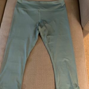 GLYDER Mantra Cropped yoga pants green size L